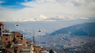 La Paz hat die größte Stadt-Seilbahn der Welt.