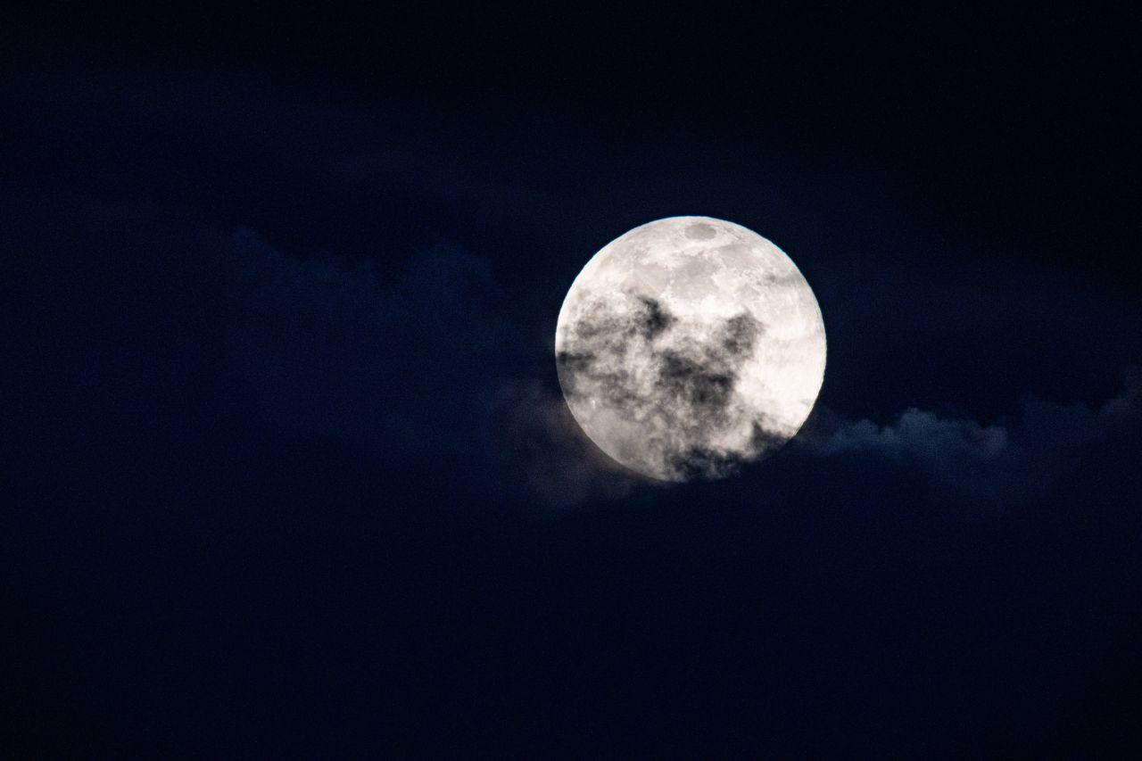 Wann ist der nächste Vollmond und wie beeinflusst uns der Mond eigentlich?
