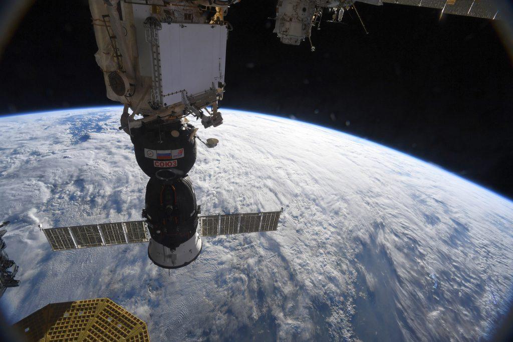 Loch im Sojus-Raumschiff