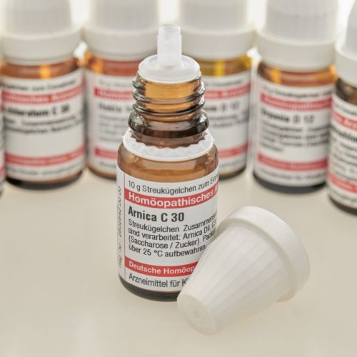 Sollen Krankenkassen die Kosten für Homöopathische Arzneimittel übernehmen?