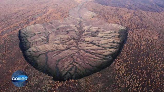 Klimawandel spürbar: Riesiger Krater in Russland