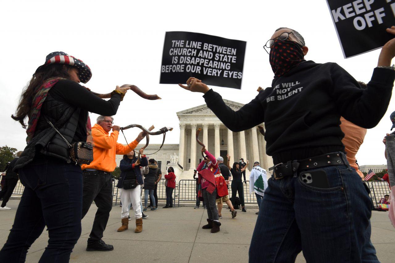 Proteste gegen die Nominierung Barretts vor dem Supreme Court
