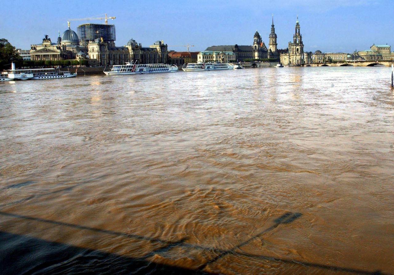 Die Elbe überflutete Dresden im Jahr 2002