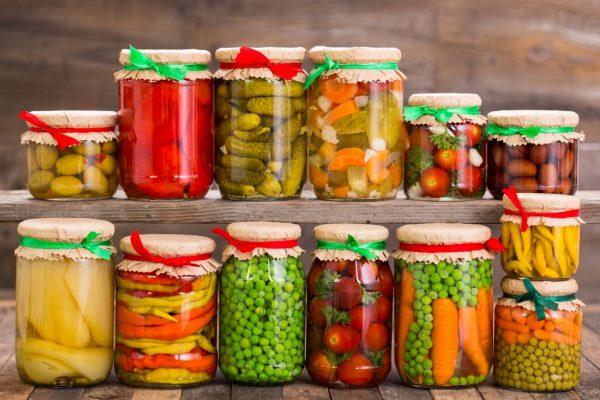 konserviertes Gemüse im Eimmachglas