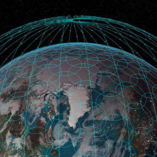 Zukünftig wird die Erde von dichten Netzen von Internetsatelliten umgeben.