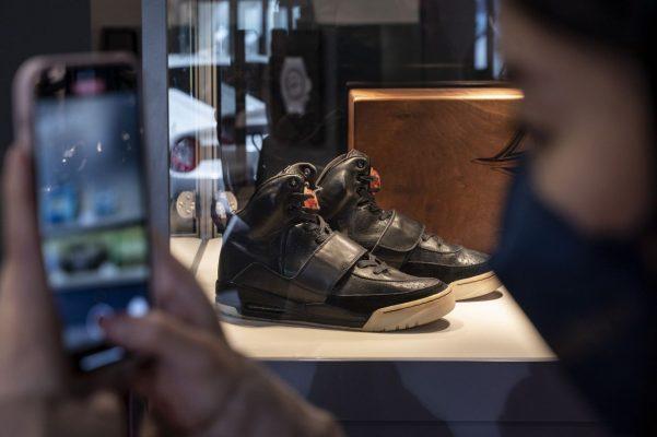 Grammy Worn Nike Air Yeezy 1