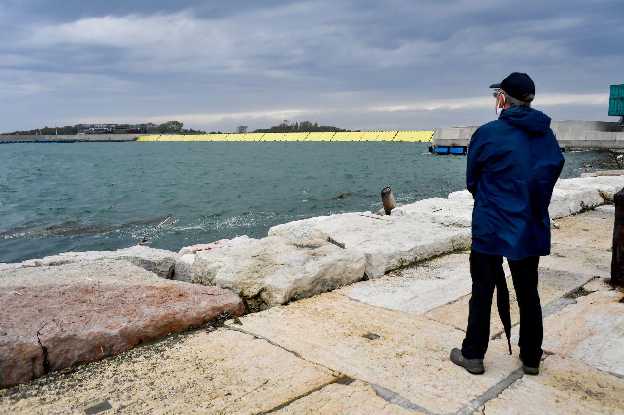 Mose in Venedig beim ersten Einsatz