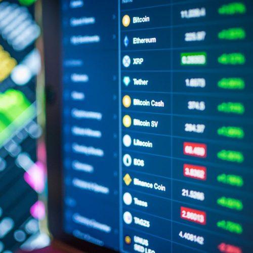 Screen mit verschiedenen Krypto-Währungen