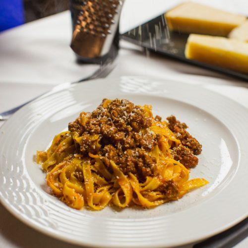 Zu einer Original Bolognese-Soße gehören keine Spaghetti, sondern Tagliatelle.