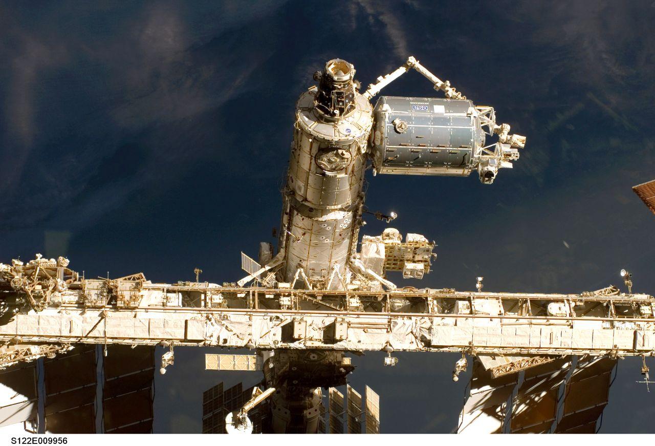 Die Europäer haben ebenfalls ein Zimmer zur ISS beigesteuertDas ISS-Forschungsmodul Columbus der ESA