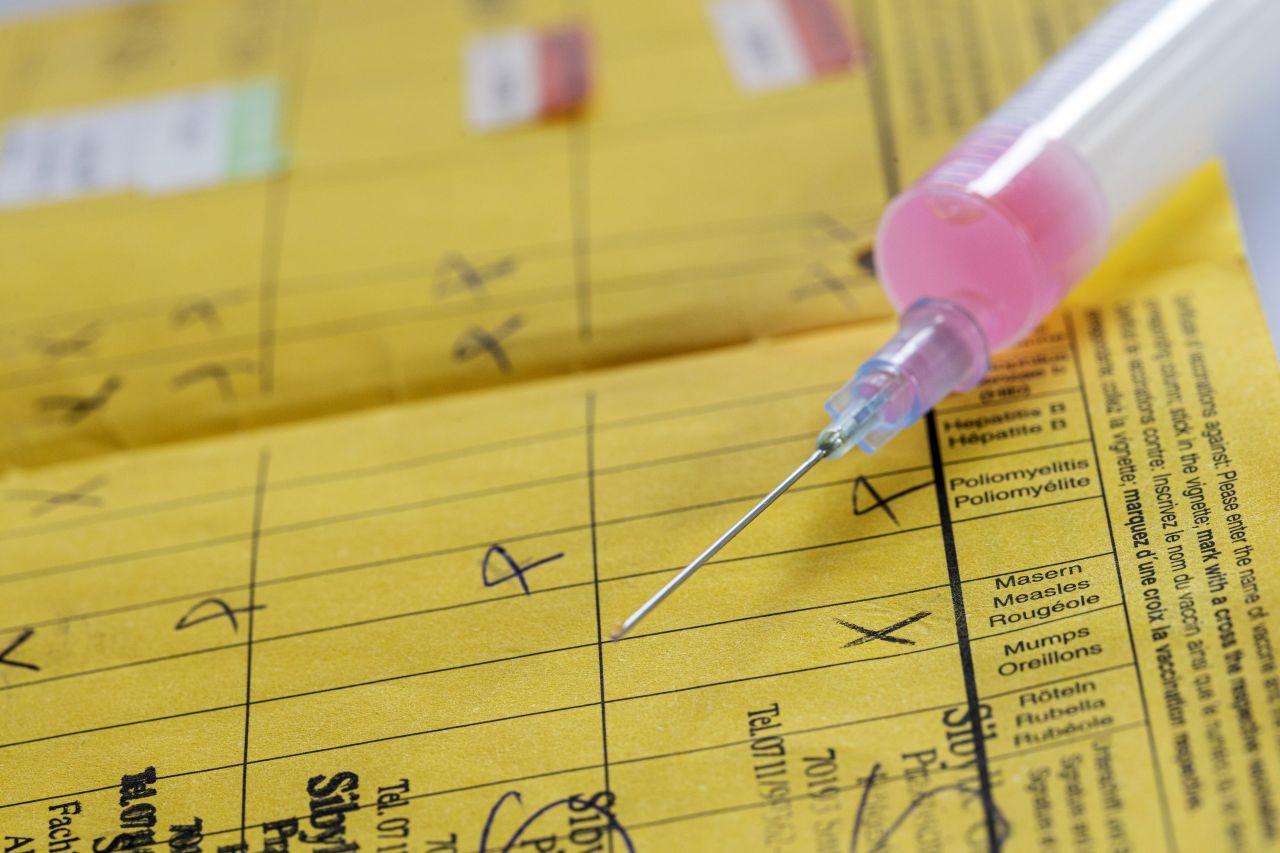 Herdenimmunität: Wie Impfungen dich und andere vor Corona und Co. schützen