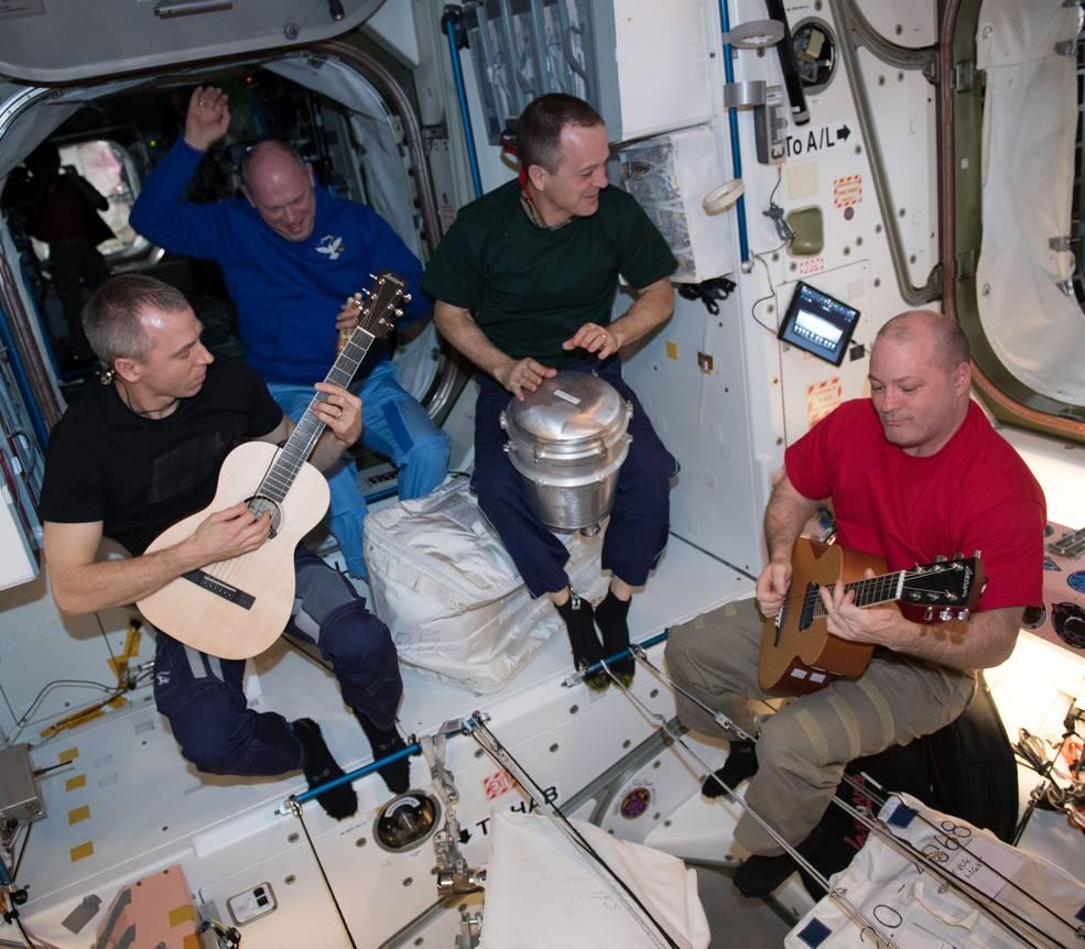 ISS-Astronauten beim Jammen