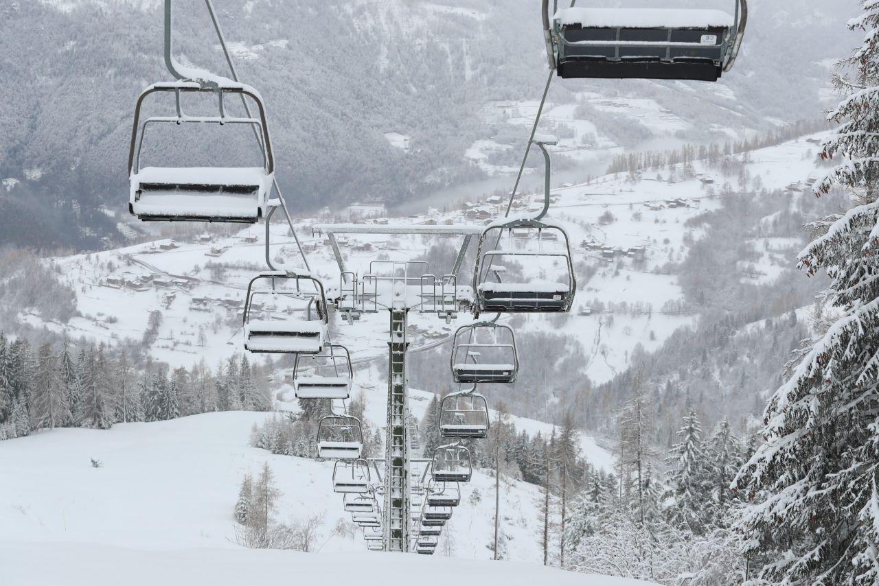 Ein Ski-Gebiet in Panarotta, Italien bleibt aufgrund des Corona-Virus bis 7. Januar geschlossen.