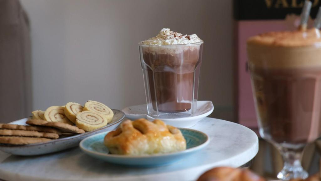 Weihnachten in gesund: Zimtschnecken-Kekse, Bratäpfel und Lebkuchen-Mokka-Schokolade
