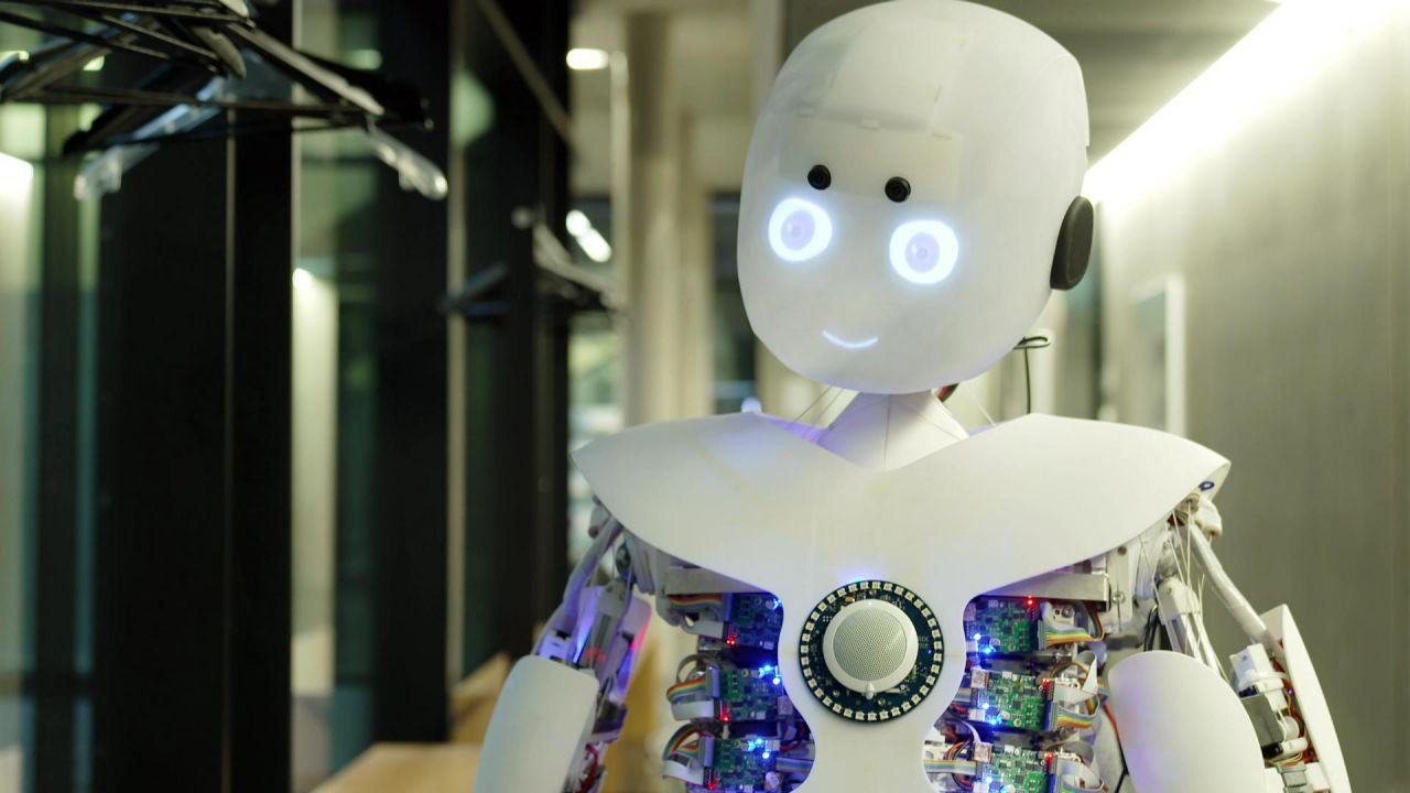 Roboy: Ersetzt dieser Roboter eines Tages den Menschen?