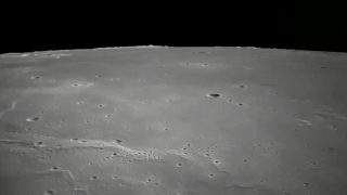 Chang'e 5 über dem Mond