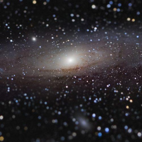 Andromeda Galaxie inmitten von Sternenwolken