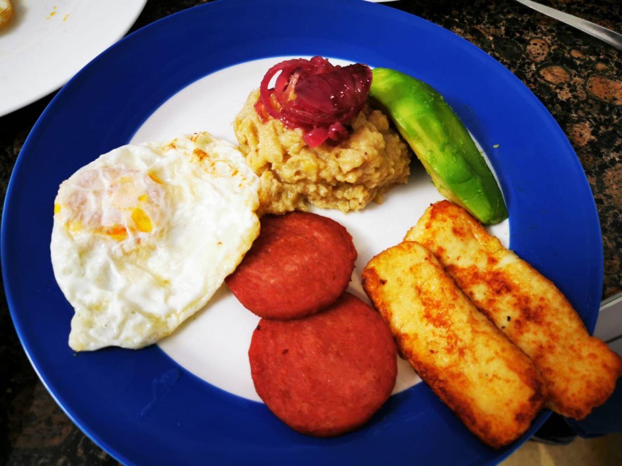 Appetit auf Abwechslung? Frühstücks-Rezepte aus Spanien, der Dominikanischen Republik und Sri Lanka