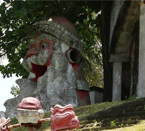 Lost Place Horror-Weihnachtspark in Brasilien-2