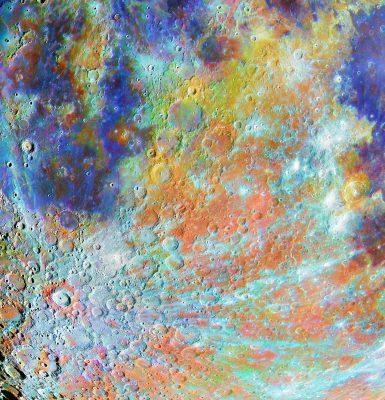 Mond mit Krater in Farbe