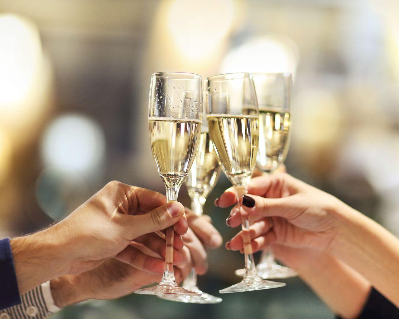 Sekt, Prosecco, Champagner: Tipps für den perfekten Genuss