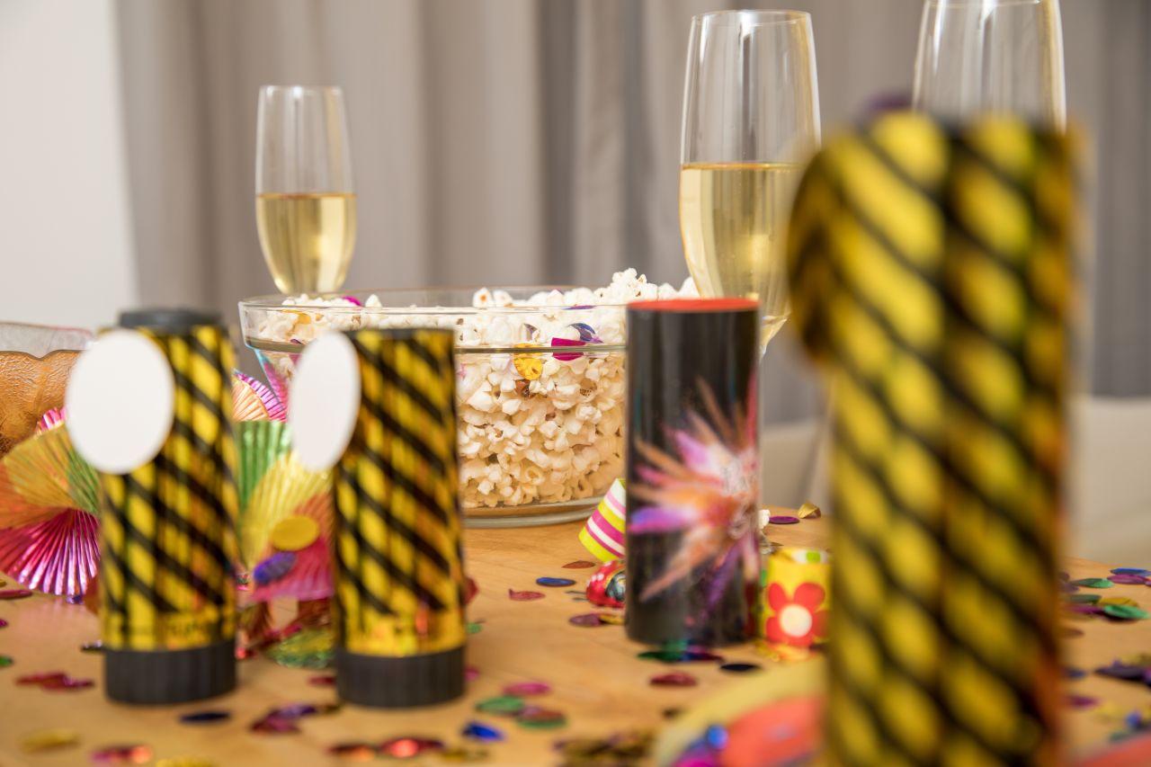Tischfeuerwerk Konfetti Silvester