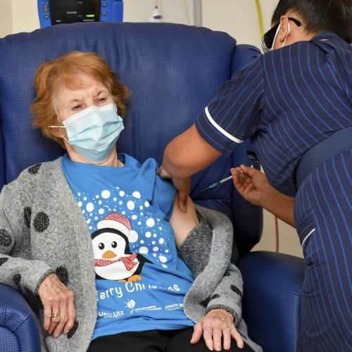 Zulassung von Corona-Impfstoff Margaret Keenan