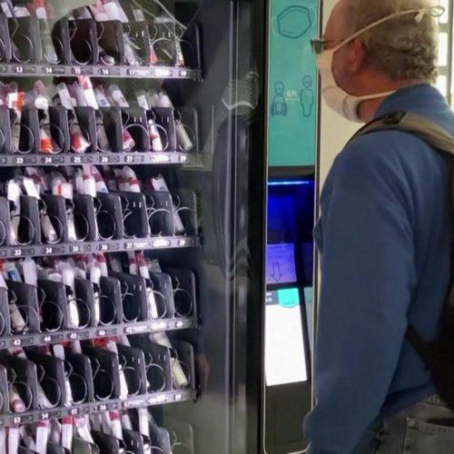 Clevere Idee eines Studenten aus San Diego: Ein Snack-Automat gefüllt mit Corona-Tests.