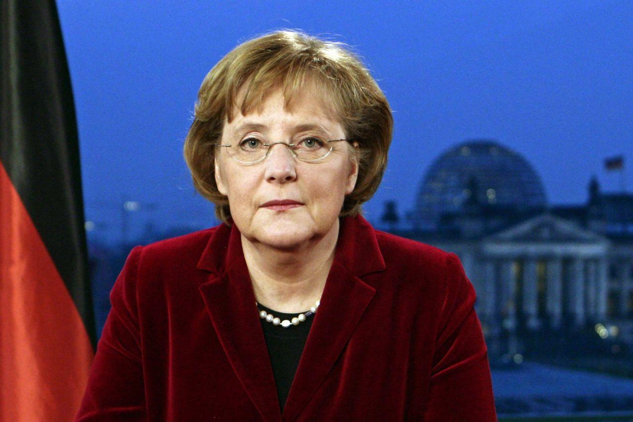 Bundeskanzlerin Angela Merkel bei Neujahrsansprache 2006