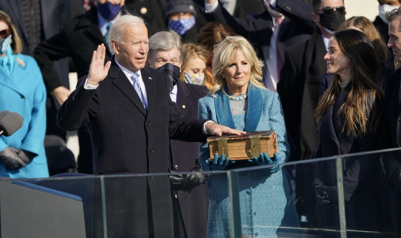 Amts-Eid von Joe Biden: Wie er schon am 1. Tag gegen Corona und fürs Klima kämpft