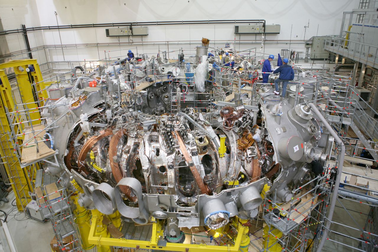 Der ringförmige Wendelstein 7X-Reaktors in Greifswald