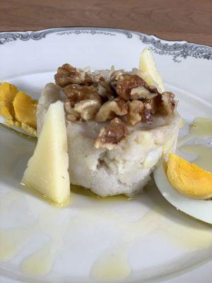 Atascaburras serviert auf einem Teller