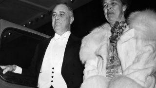 Eleanor Roosevelt zusammen mit ihrem Mann Franklin D.