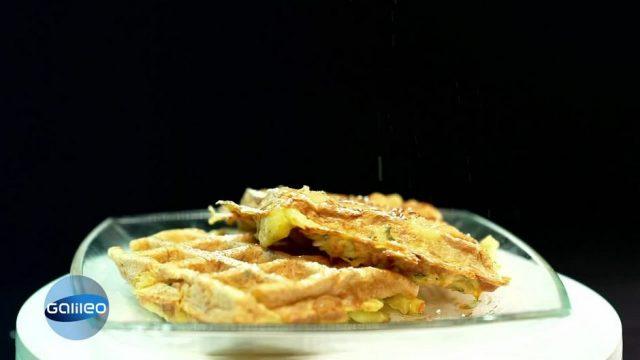 Kitchen Moves: Kartoffelpuffer - Matthias vs. Bernd