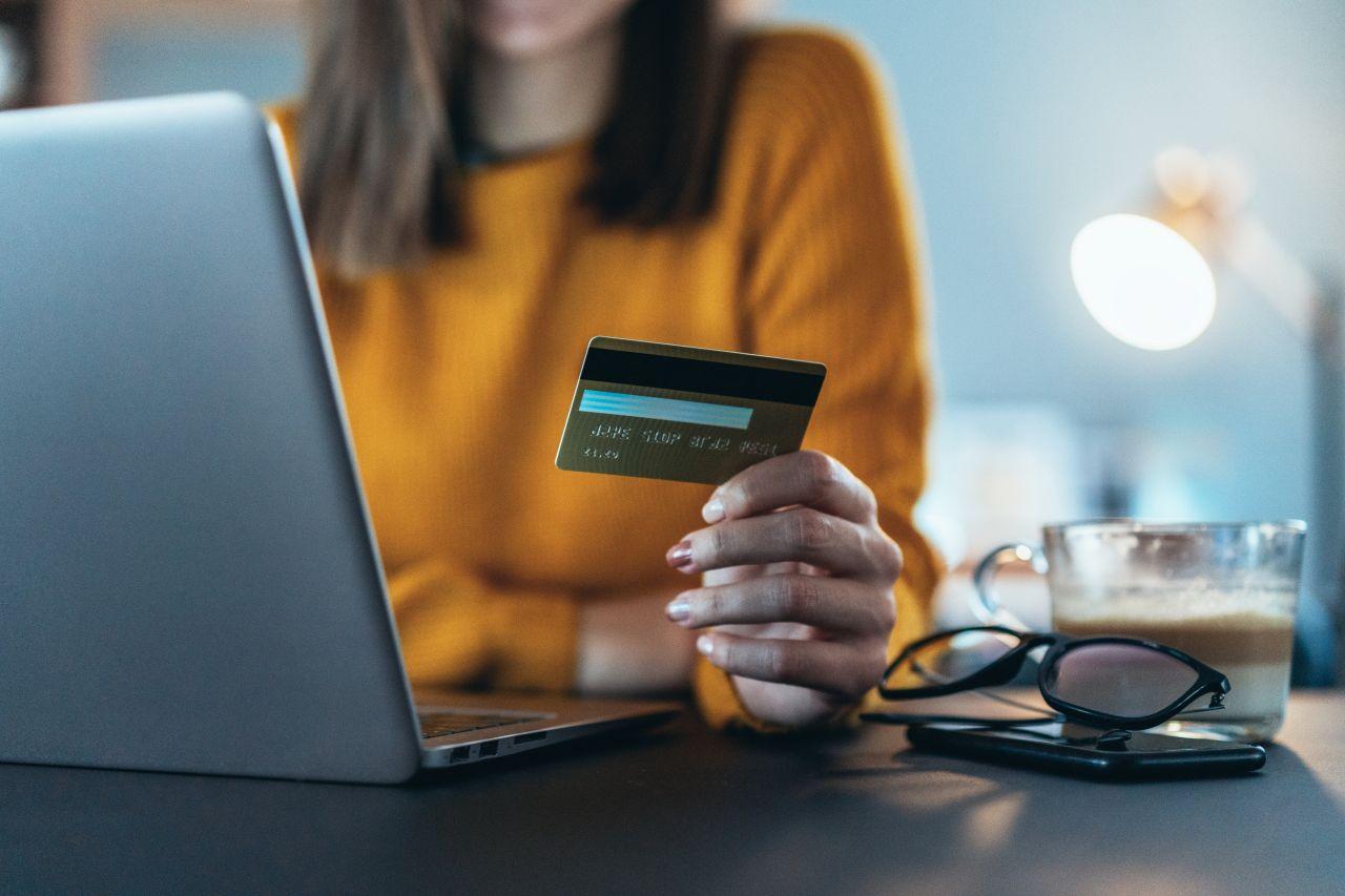 Online-Shopping: So fällst du nicht auf Betrug rein
