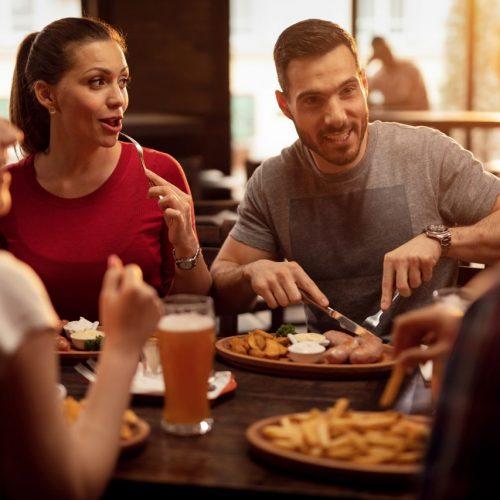 Wie unser Essverhalten im Restaurant beeinflusst wird