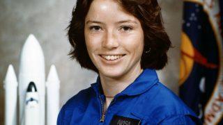 Die erste Mutter im All: NASA-Astronautin Anna Lee Fisher
