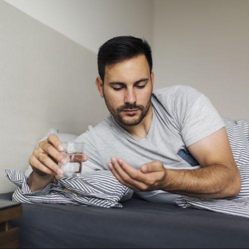 Beim Placebo-Effekt kann allein der Glaube an die Wirkung eines Medikaments helfen.