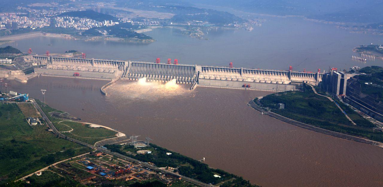 Staudämme: Gigantische Neu-Projekte und gefährliche Altlasten