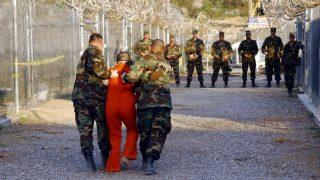 Häftling eskortiert