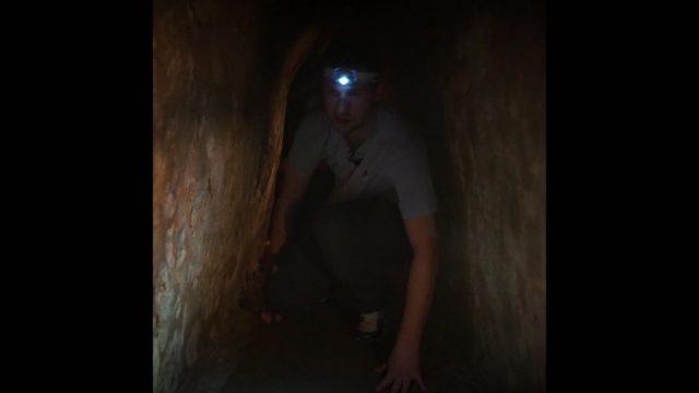 Tunnelurlaub im unterirdischen System der Vietcongs - 10s