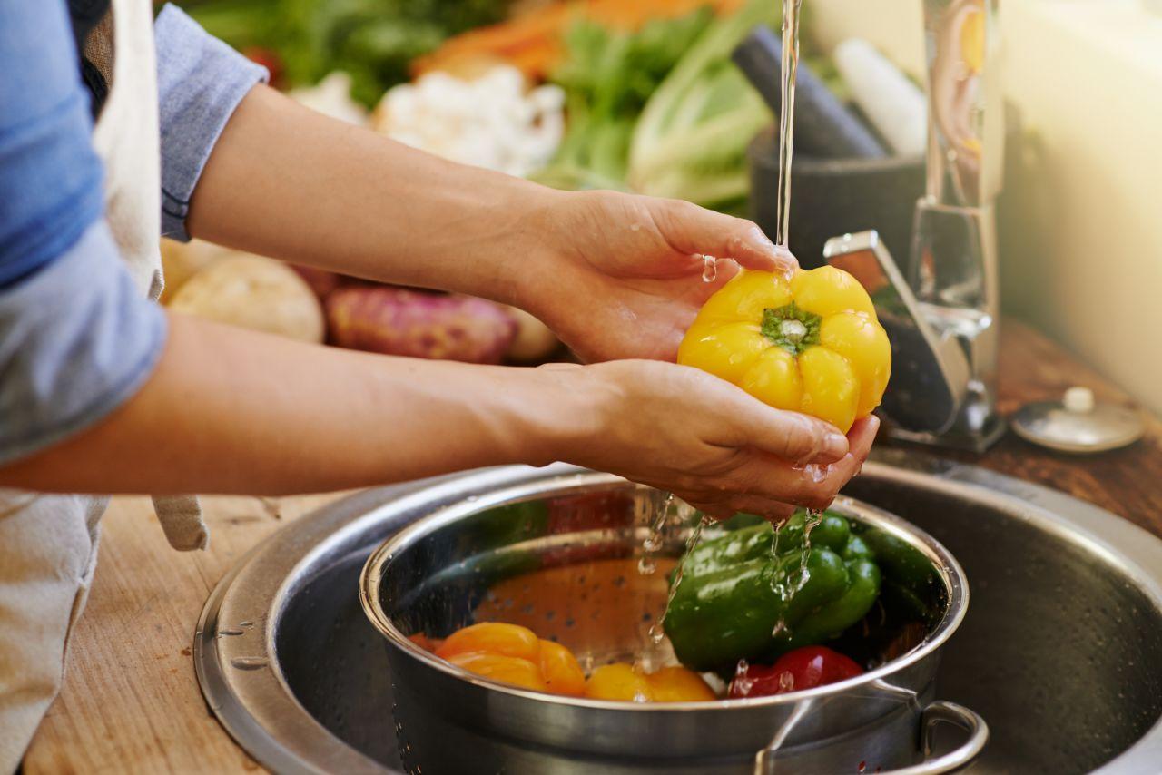 Pestizide vom Gemüse abwaschen