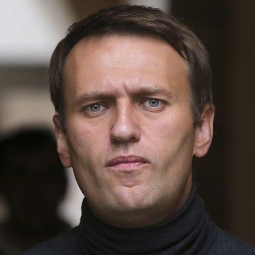 Alexej Nawalny, Russlands Staatsfeind Nummer 1, sitzt in einem der härtesten Straflager Russlands - und befindet sich in einem gefährlichen Hungerstreik. Wer ihn jetzt unterstützt. Im Clip: Wie tickt der Mann, der Präsident Putin die Stirn bietet?