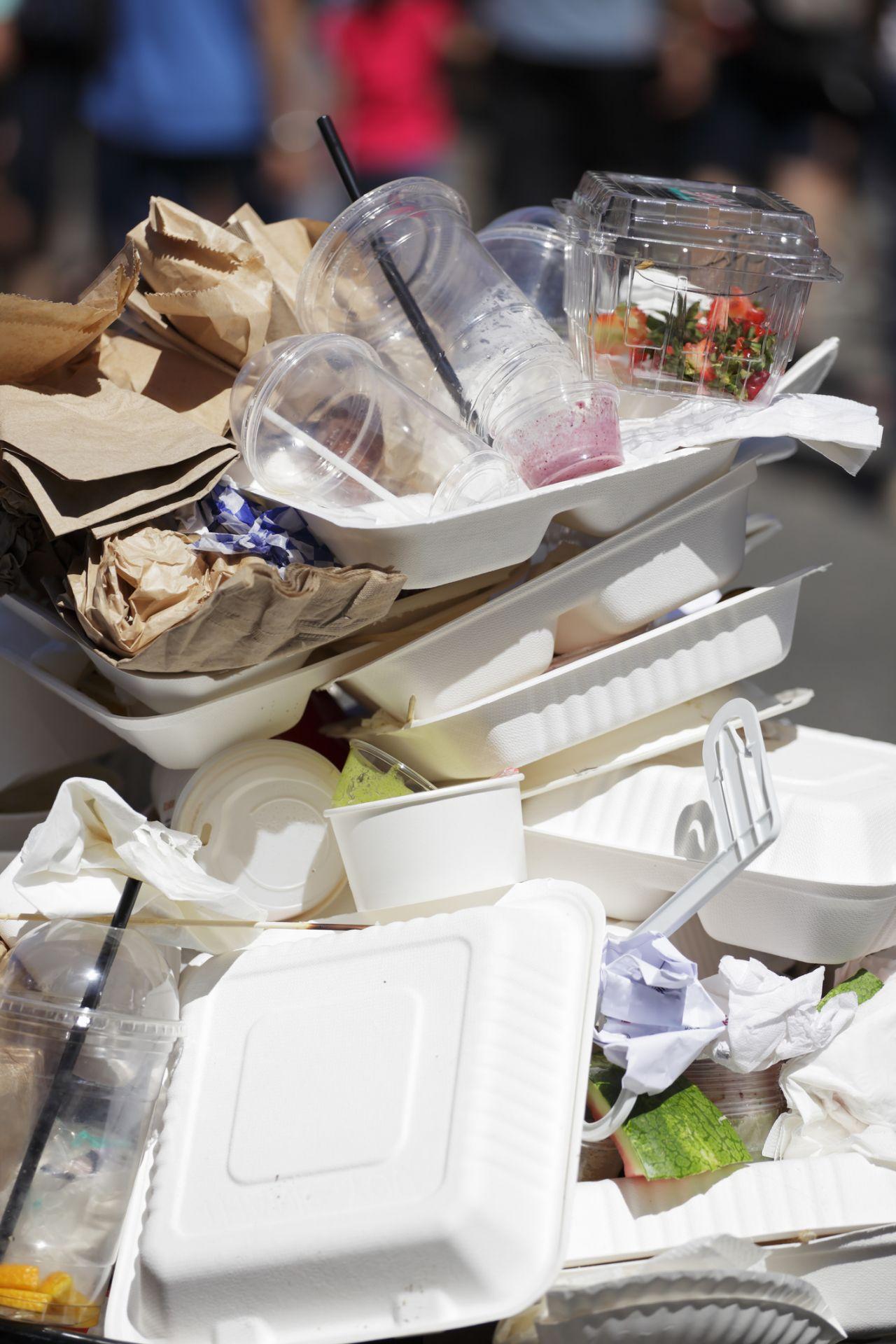 Europaweites Einweg-Plastikverbot: Was das für dich bedeutet