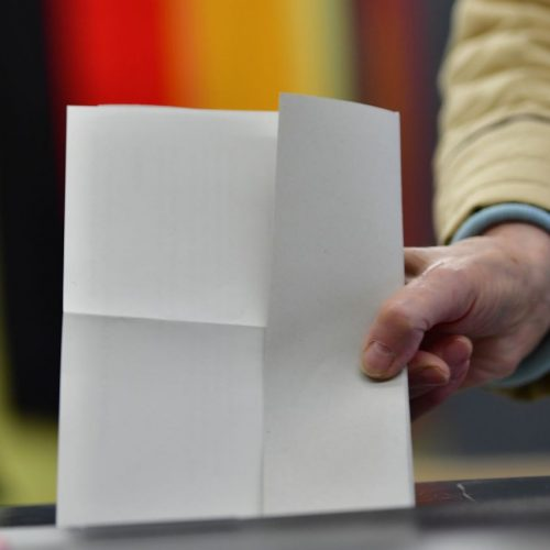 Stimmabgabe bei einer  Wahl in Deutschland