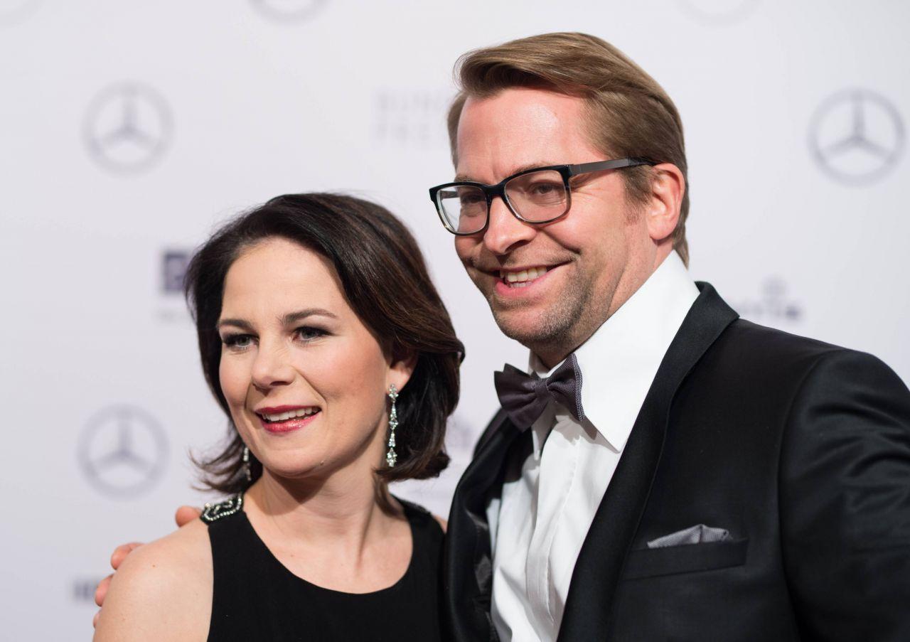Annalena Baerbock mit Ehemann Daniel Holefleisch beim Bundespresseball 2018