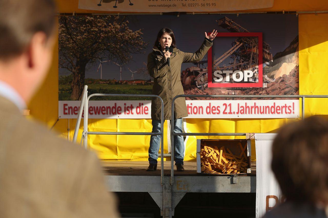Annalena Baerbock bei einer Kundgebung in Brandenburg 2013