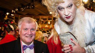 Markus Söder bei Fastnacht in Franken 2013 als Marilyn Monroe