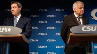 Markus Söder und Horst Seehofer bei einer Pressekonferenz der CSU 2018