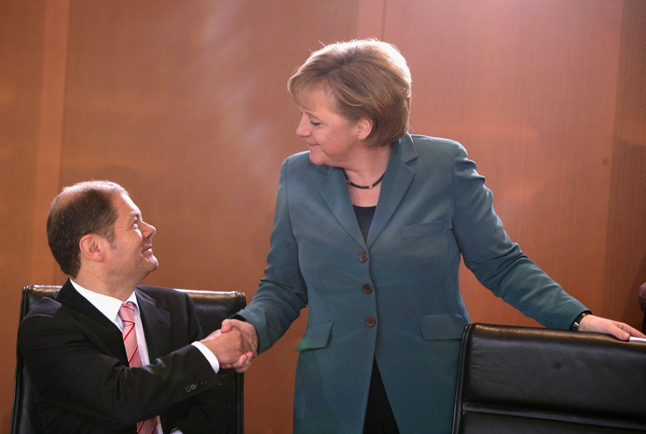 Bundesarbeitsminister Olaf Scholz mit Bundeskanzlerin Angela Merkel 2008